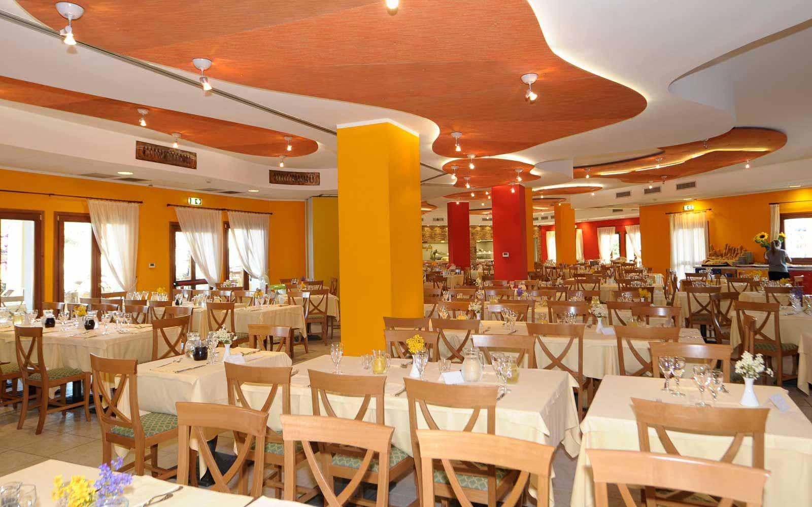 Restaurant at Blu Hotel Morisco