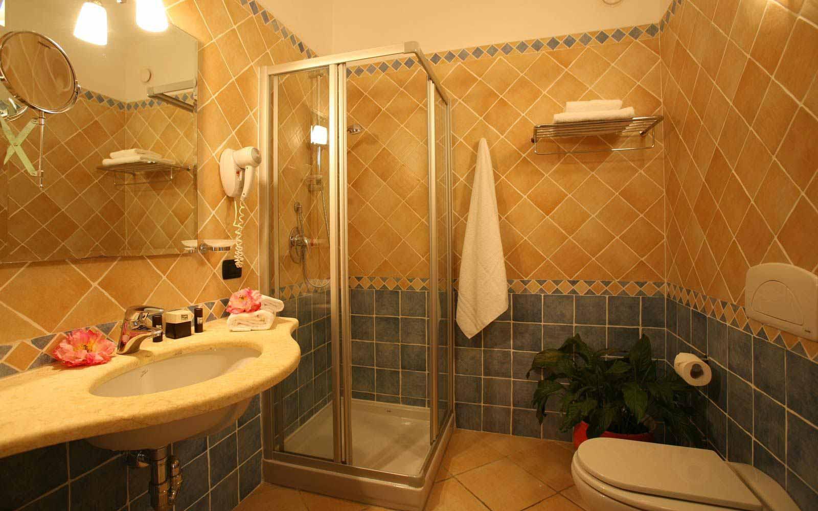 Bathroom at Blu Hotel Morisco