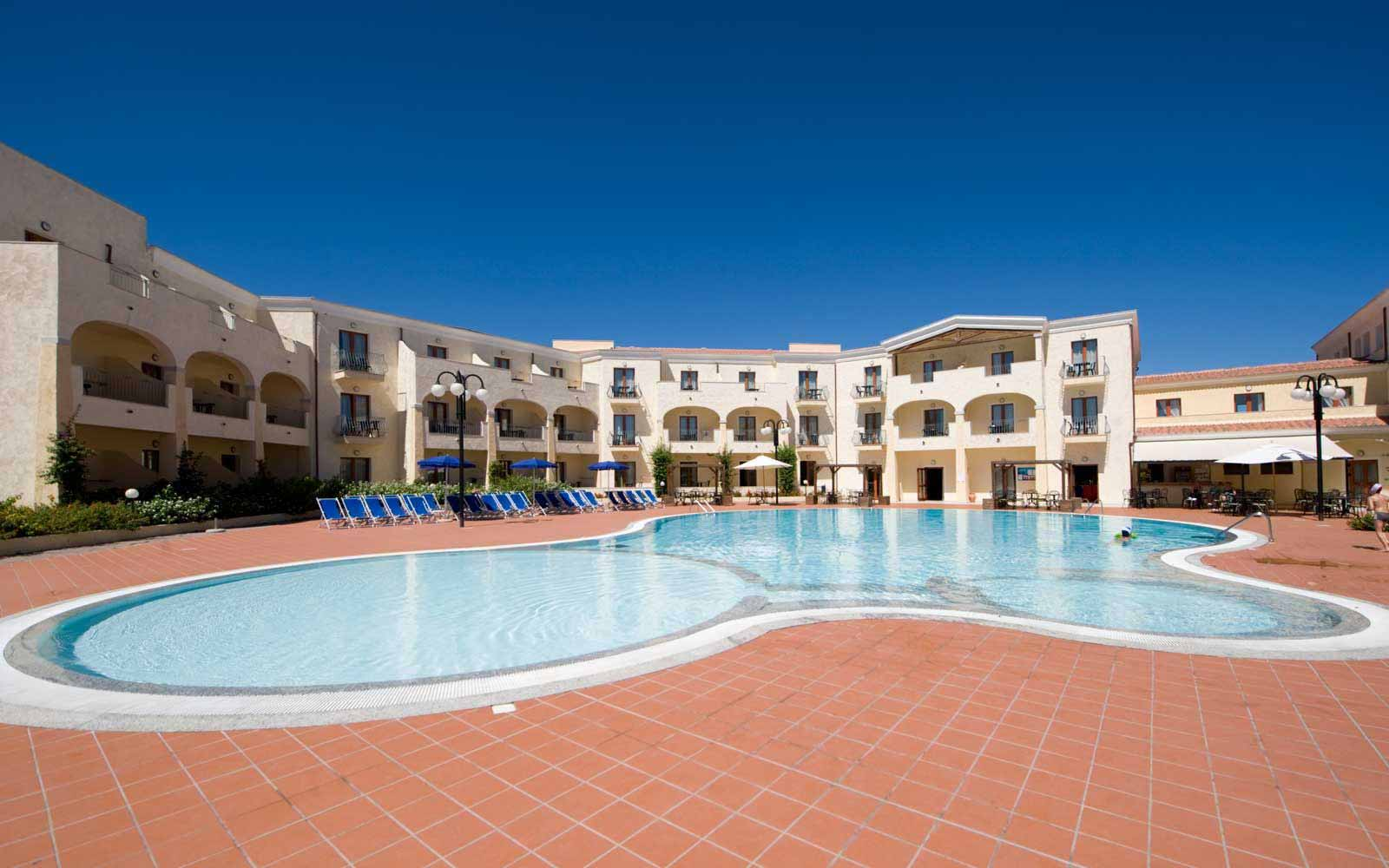Pool at Blu Hotel Morisco