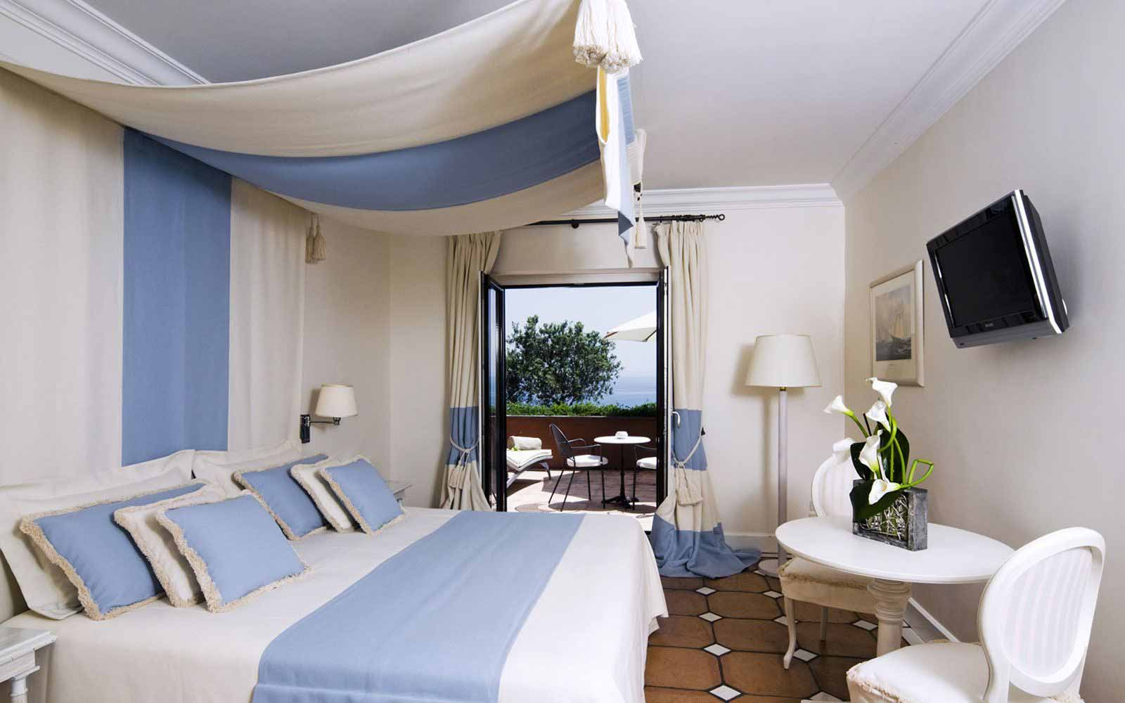 Superior Park Room at Mezzatorre Resort & Spa