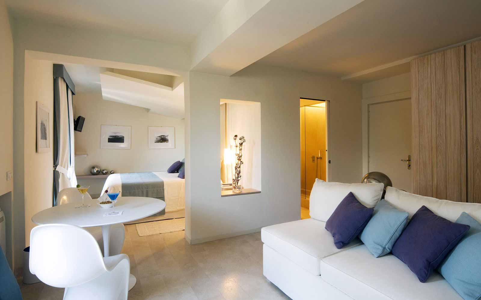 Deluxe Suite at Mezzatorre Resort & Spa