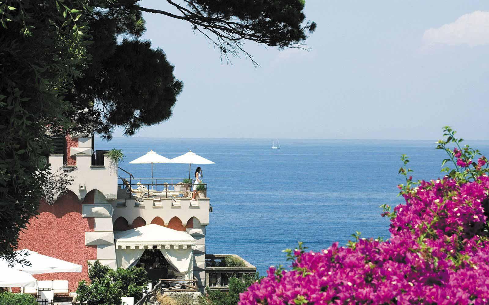 Deluxe Bellevue Suite terrace at Mezzatorre Resort & Spa