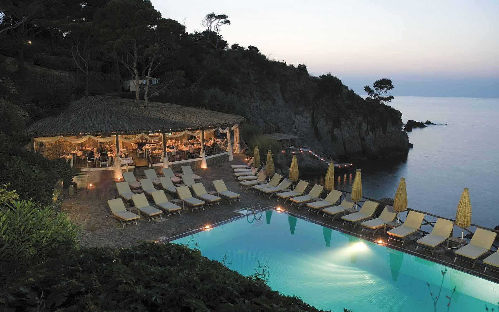 Sciue Sciue Restaurant at Mezzatorre Resort & Spa