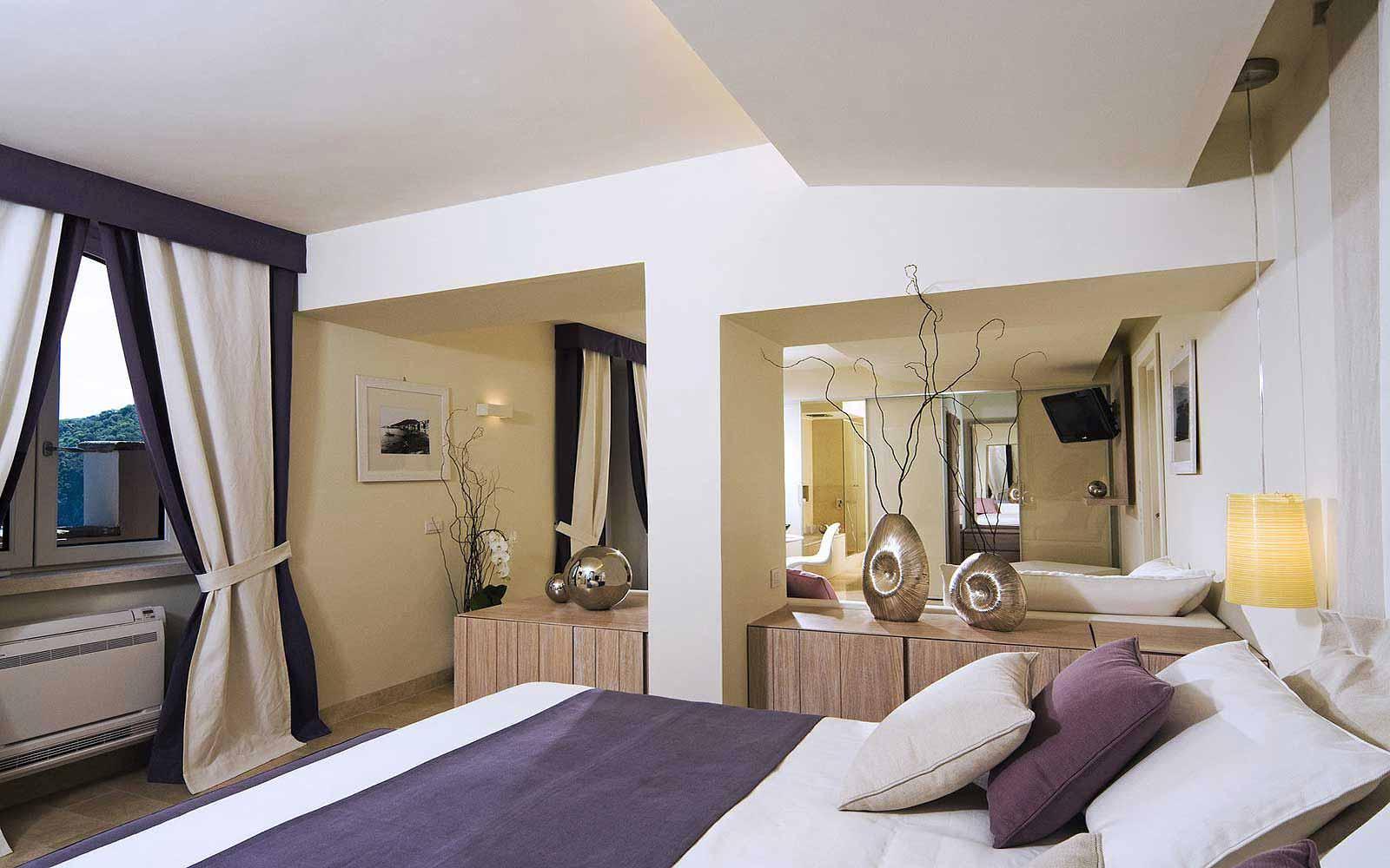 Deluxe Bellevue Suite at Mezzatorre Resort & Spa