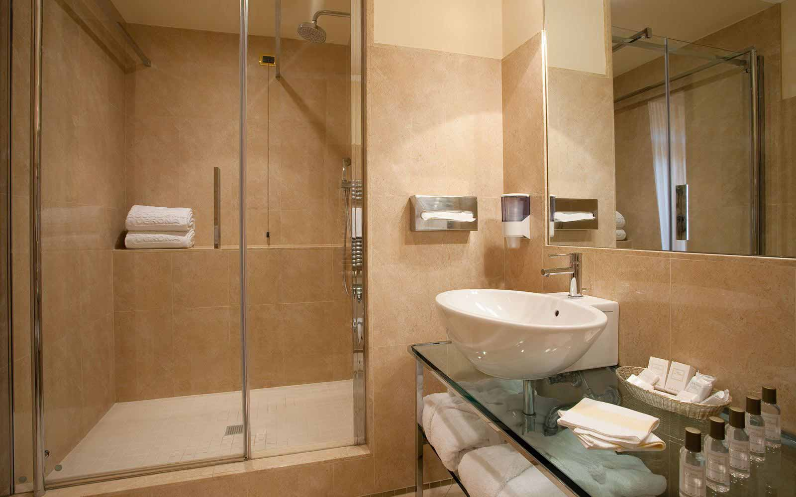 Bathroom at Hotel Accademia