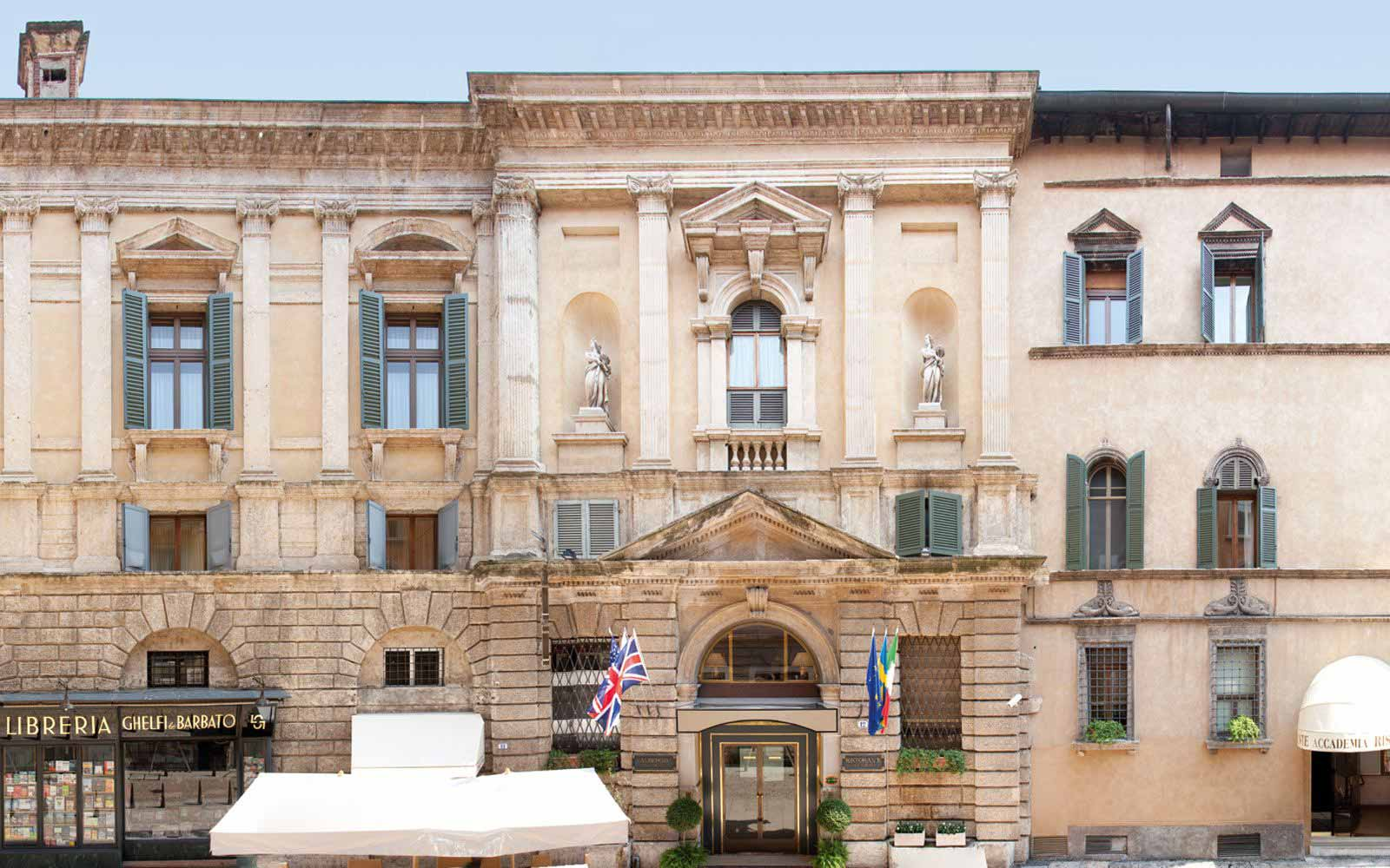 Front of Hotel Accademia