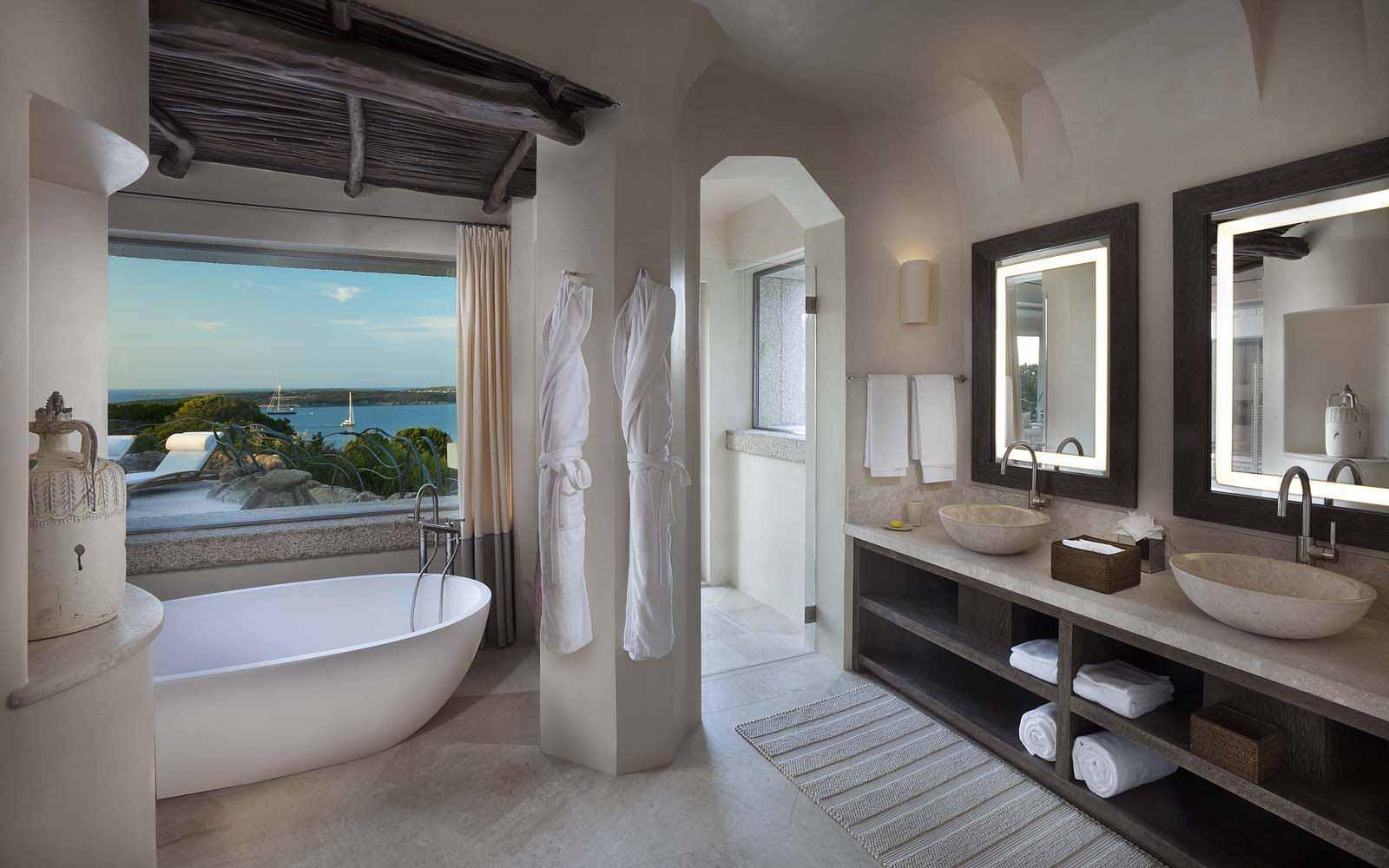 The bathroom of Unique Suite Baki at the Hotel Pitrizza