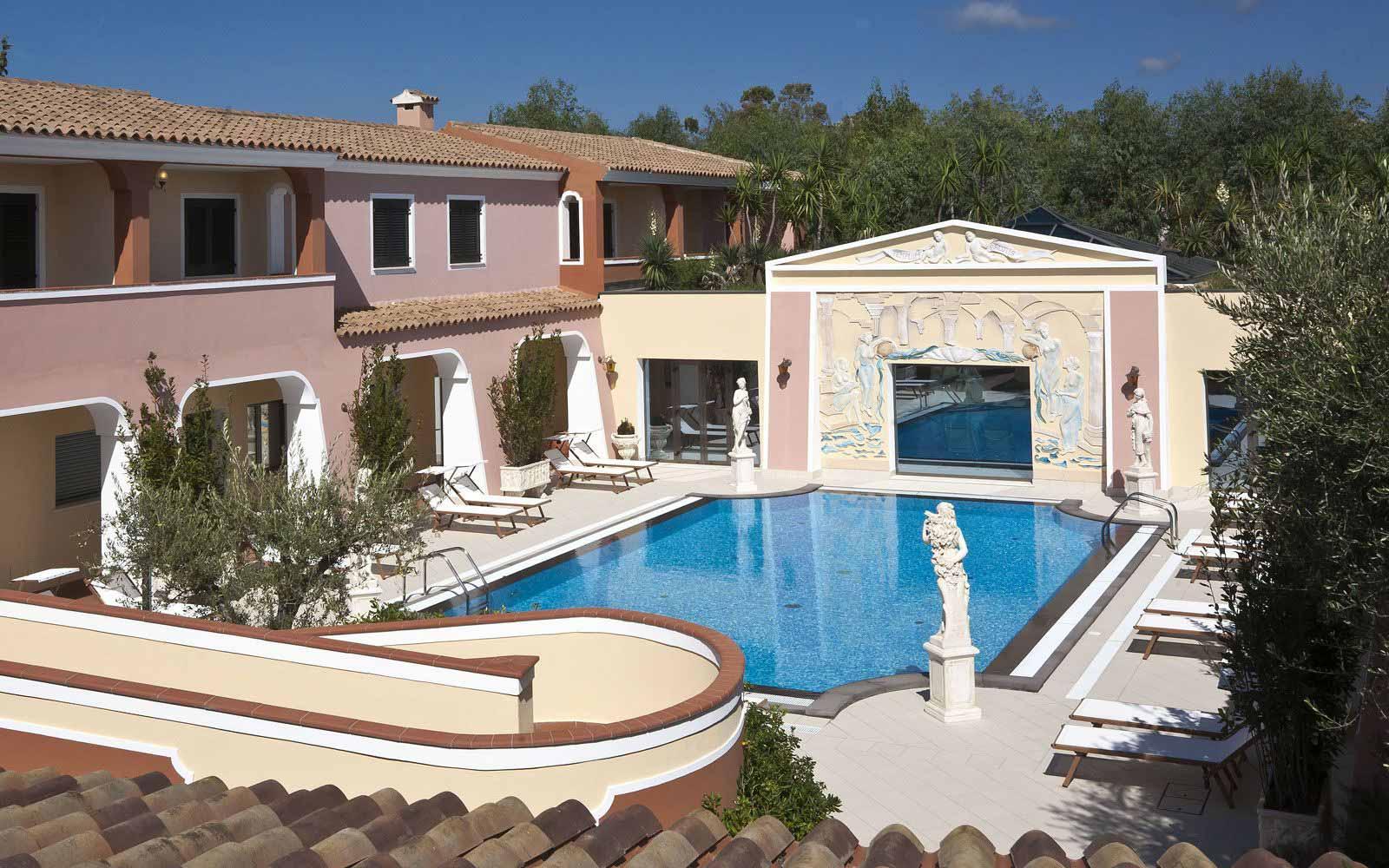 Wellness centre' swimming pool at Cala Ginepro Hotel Resort