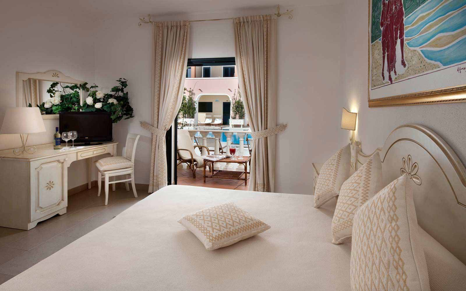 Deluxe room at Cala Ginepro Hotel Resort