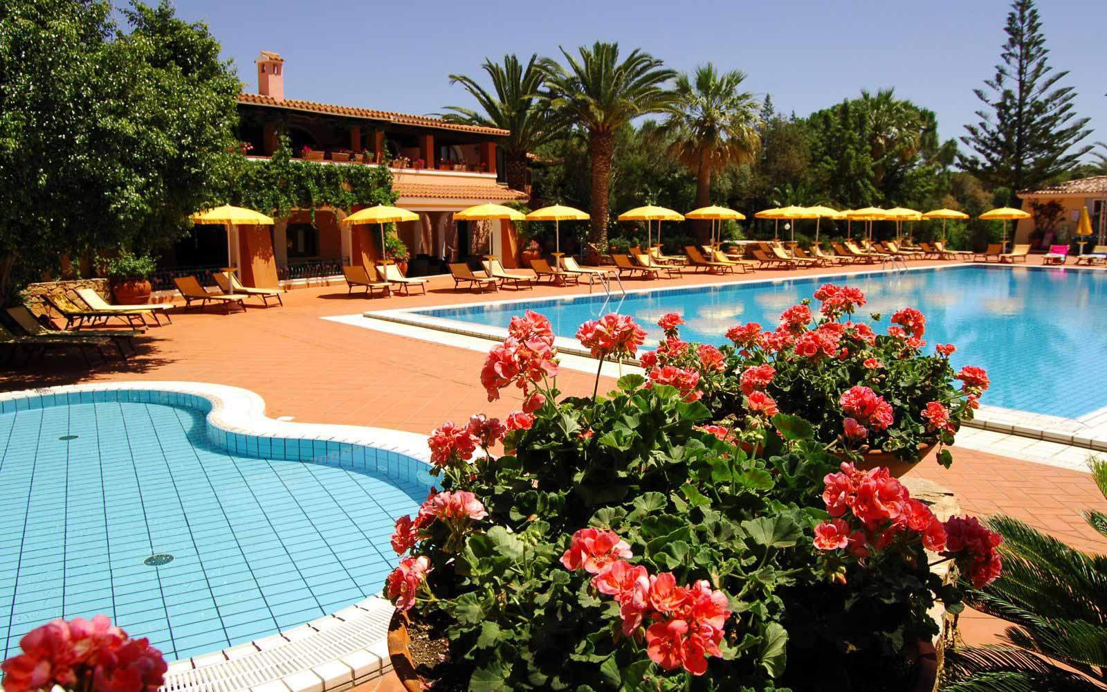 Solarium at Cala Ginepro Hotel Resort