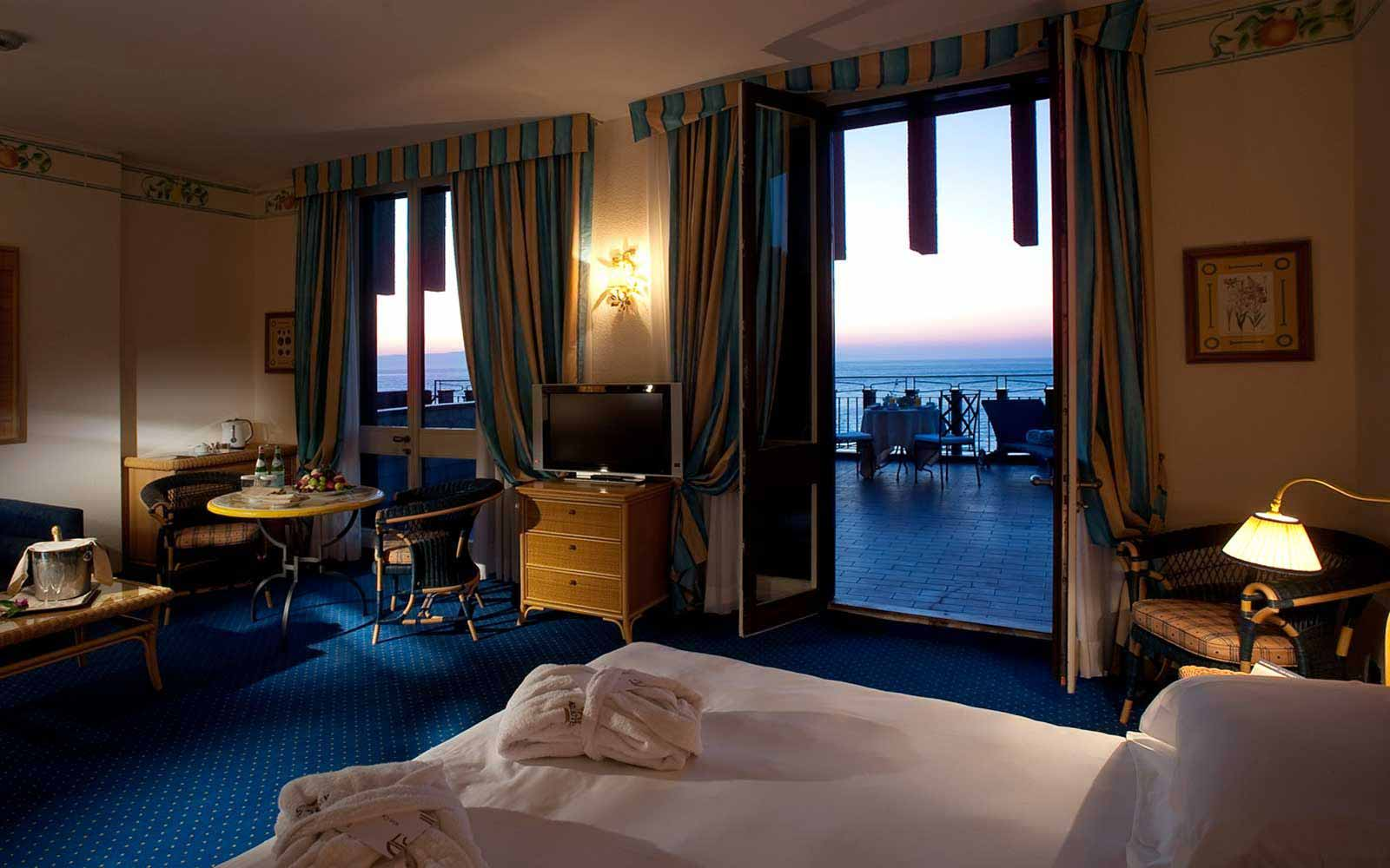 Suite at the Atahotel Capotaormina