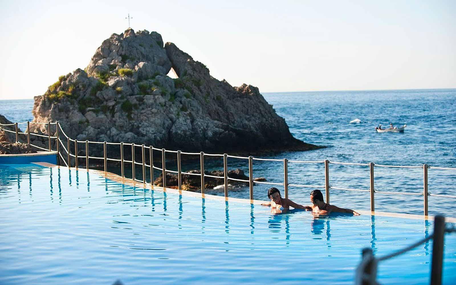 Salt water swimming pool of the Atahotel Capotaormina