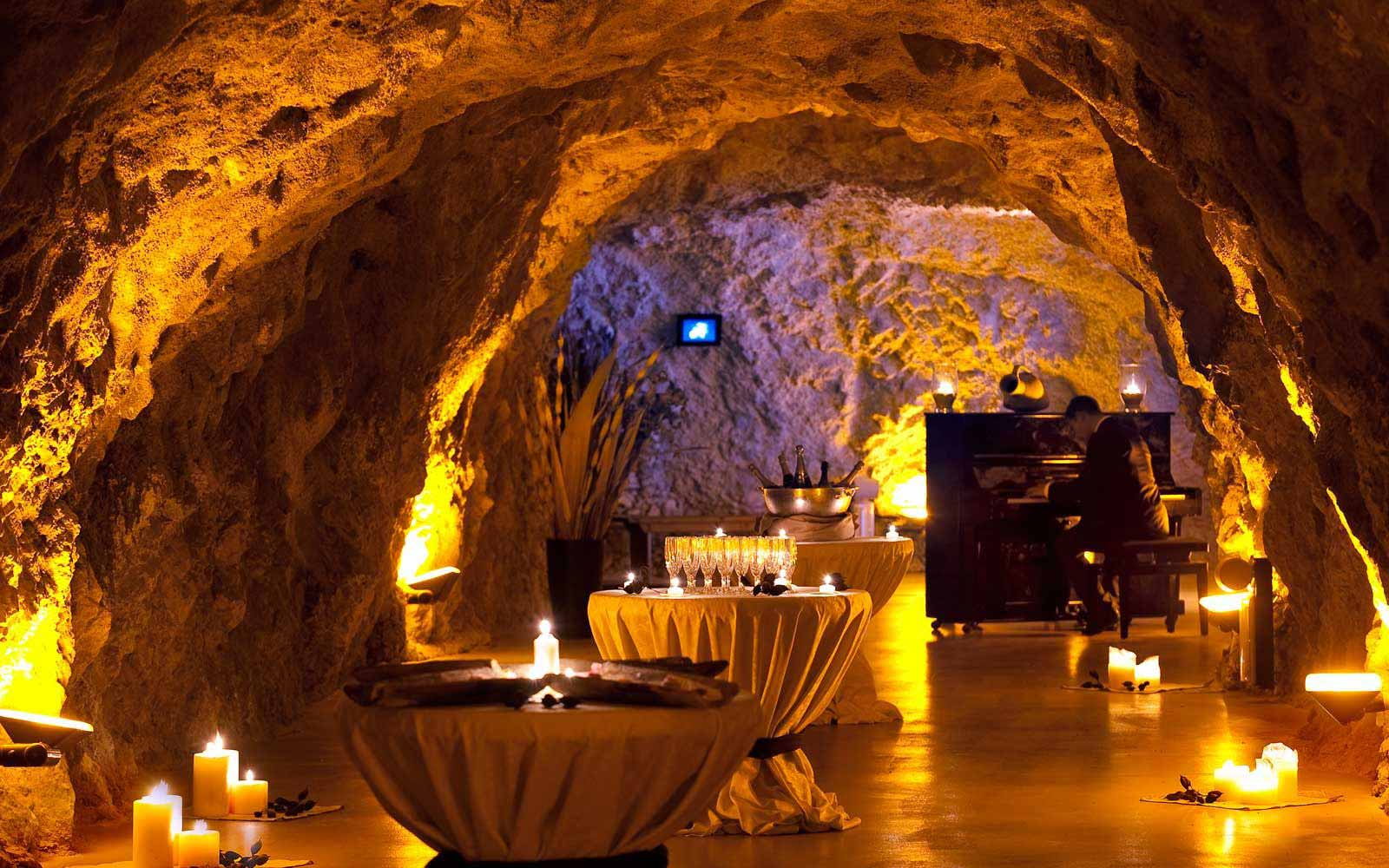 Special events at Atahotel Capotaormina beach cave