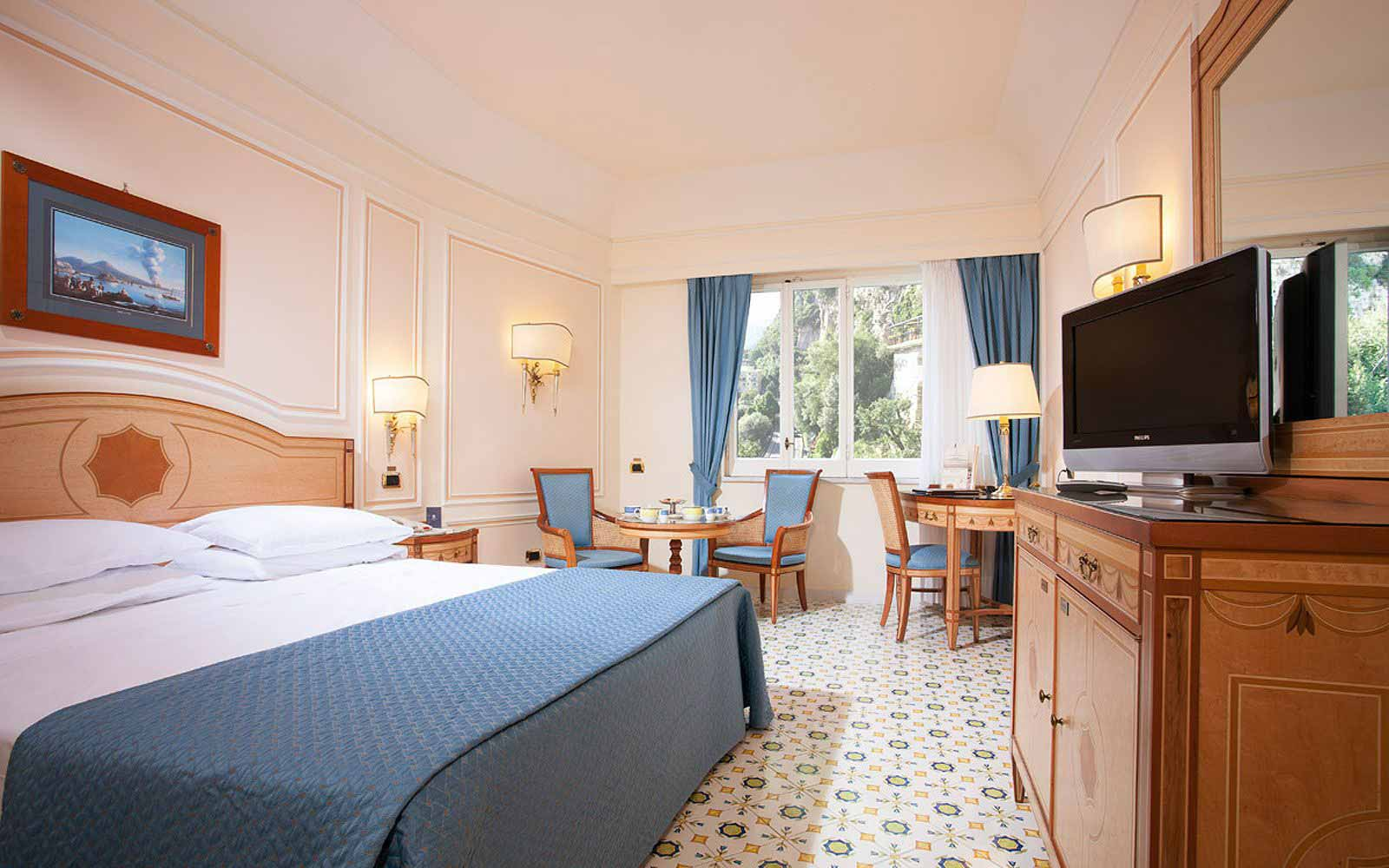 Standard Room at the Grand Hotel Capodimonte