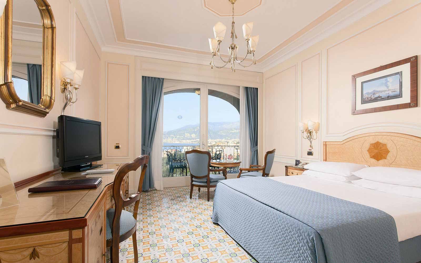 Double Room with balcony and partial seaview at the Grand Hotel Capodimonte