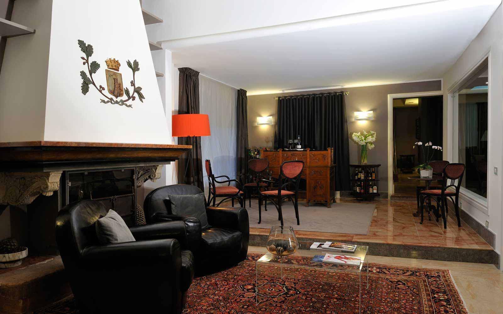 Cosy lounge at Hotel Principe Di Villafranca