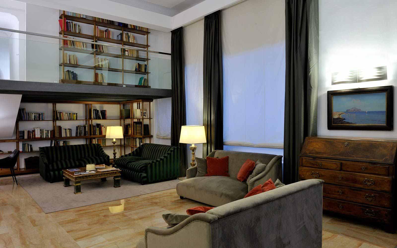 Library at Hotel Principe Di Villafranca