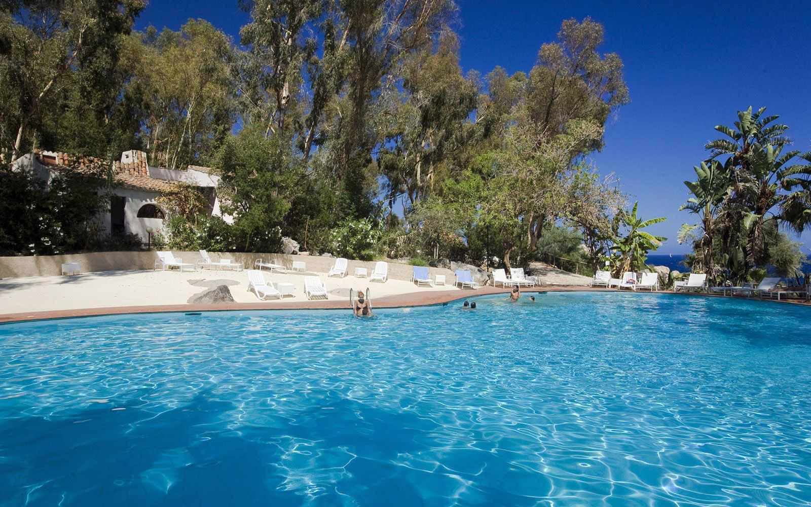 Relax Swimming Pool at Arbatax Park Resort - Hotel Cottage