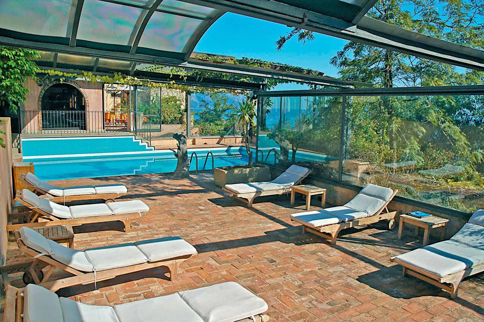 Solarium at Arbatax Park Resort - Hotel Monteturri