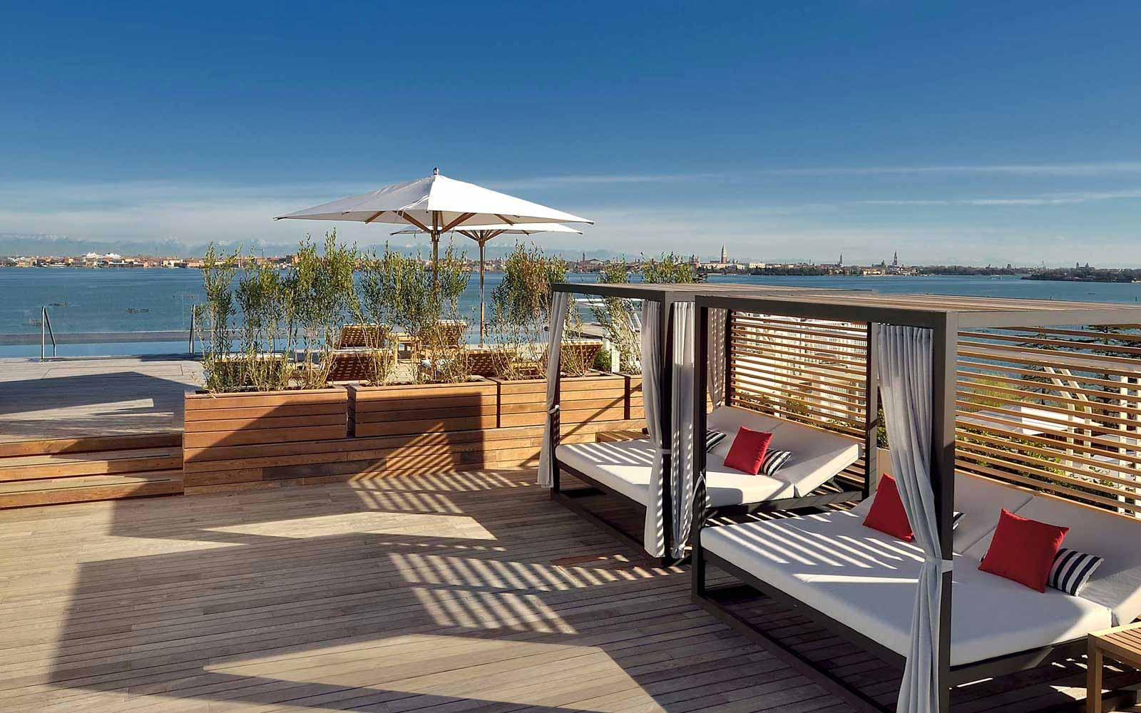 Sagra Poolside Bar  at the JW Marriott Venice Resort & Spa