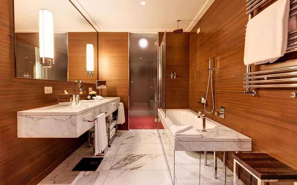 Corner Suite at the Grand Hotel Via Veneto