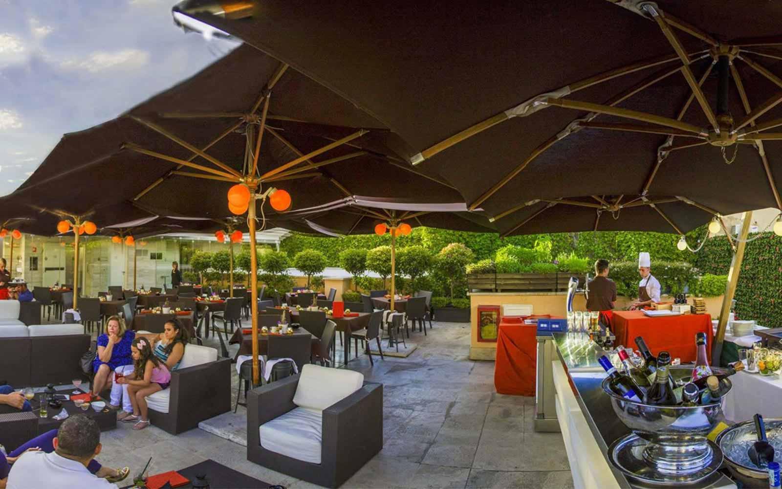 Sky Bar and grill at the Grand Hotel Via Veneto