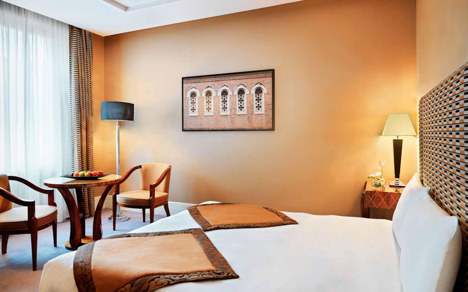 Superior room at the Grand Hotel Via Veneto