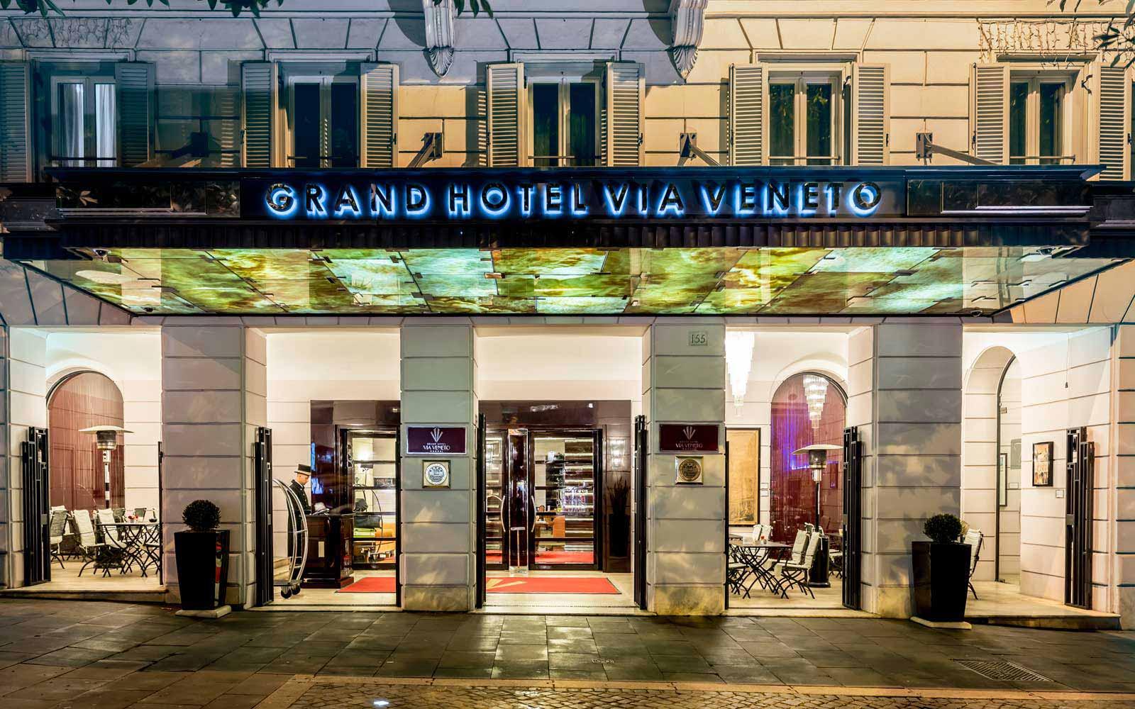 Entrance at the Grand Hotel Via Veneto