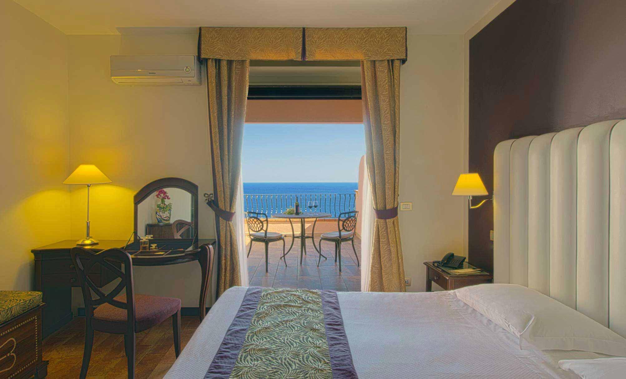 Deluxe room at Hotel Baia Taormina