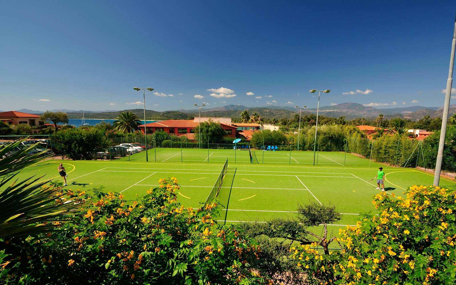Tennis courts at Hotel Club Saraceno