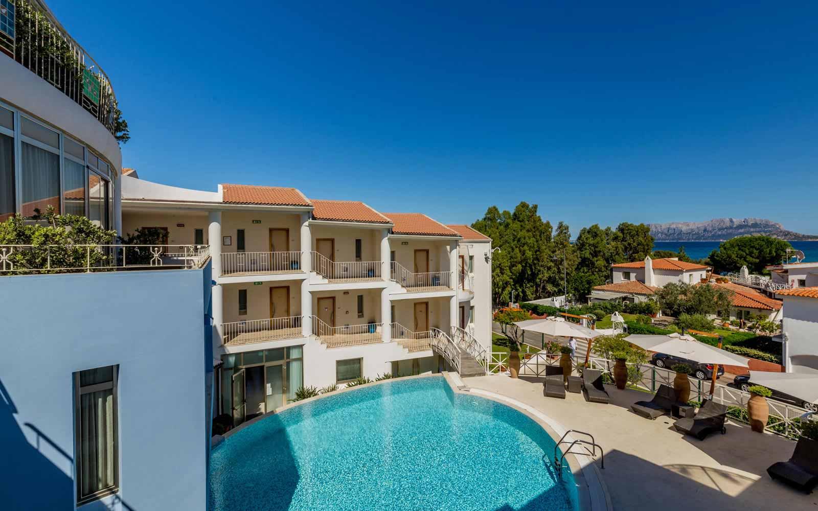Swimming pool at the Pelican Beach Resort & Spa