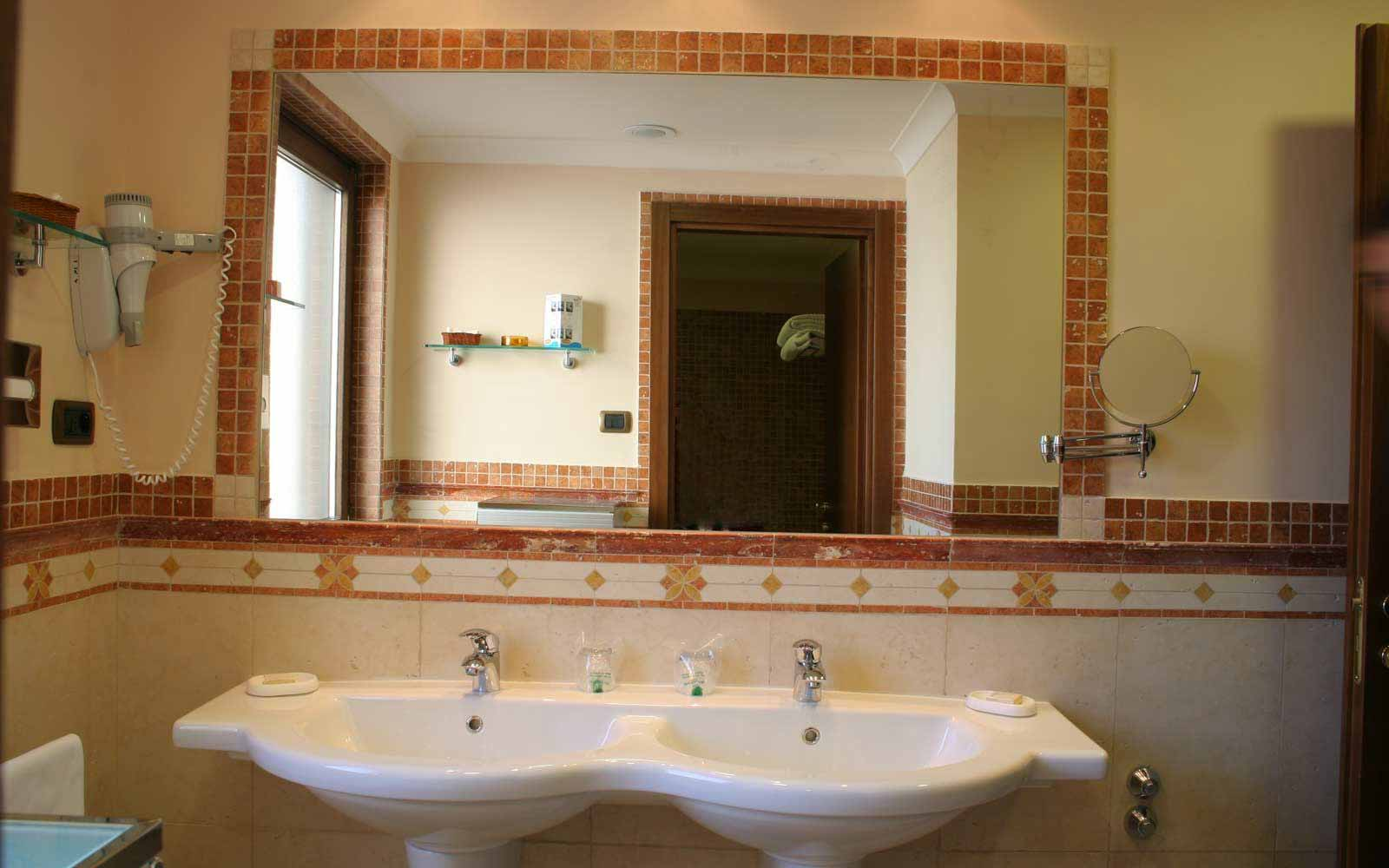 Bathroom at Hotel Michelangelo