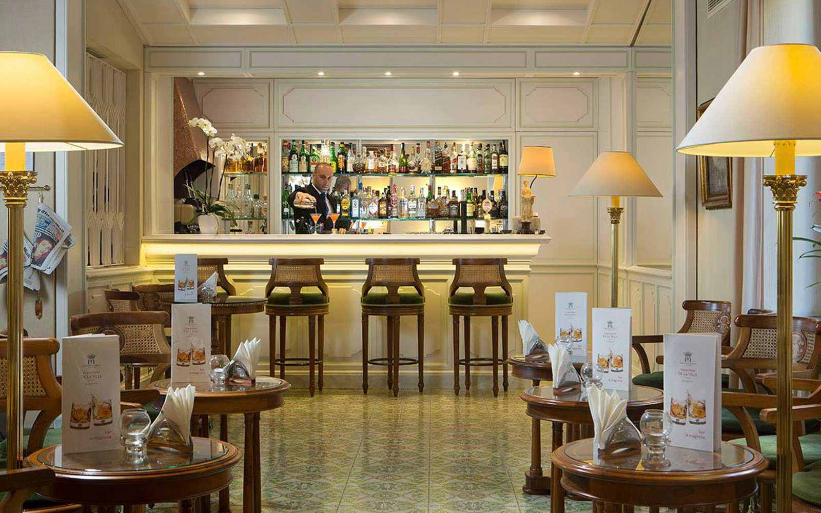 La Magnolia bar at Grand Hotel de la Ville