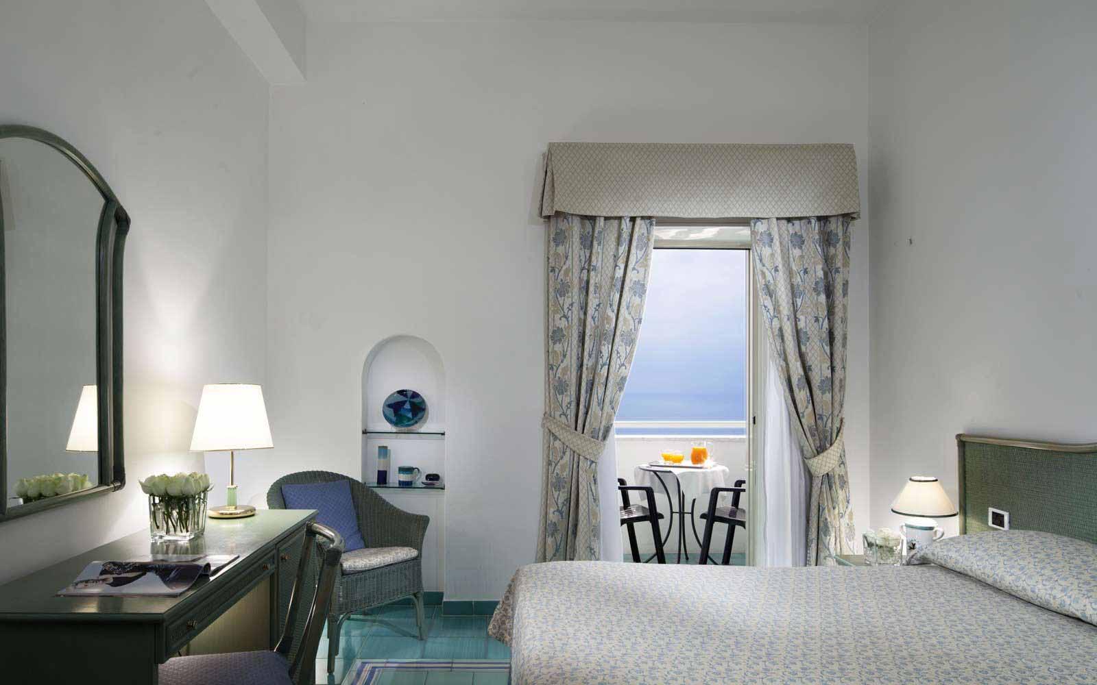 Standard room at Hotel Miramalfi