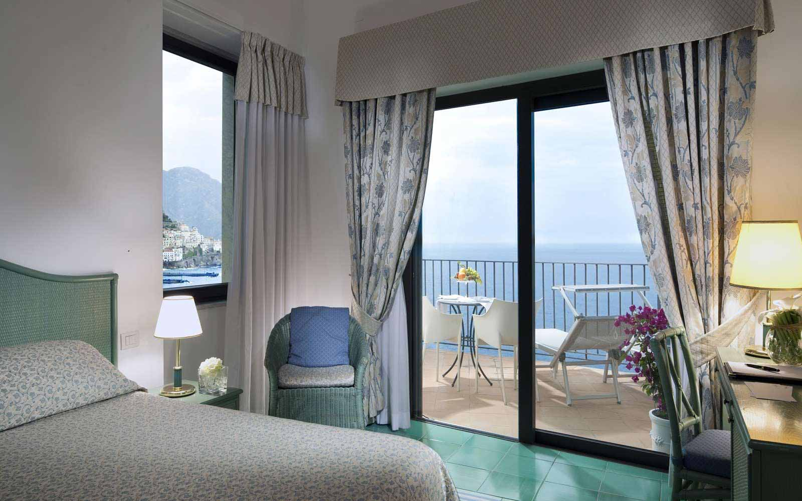 Superior room at Hotel Miramalfi