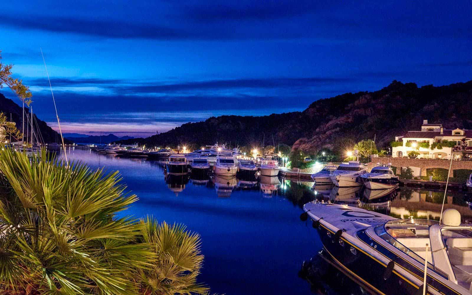 Harbour by night at Grand Hotel Poltu Quatu