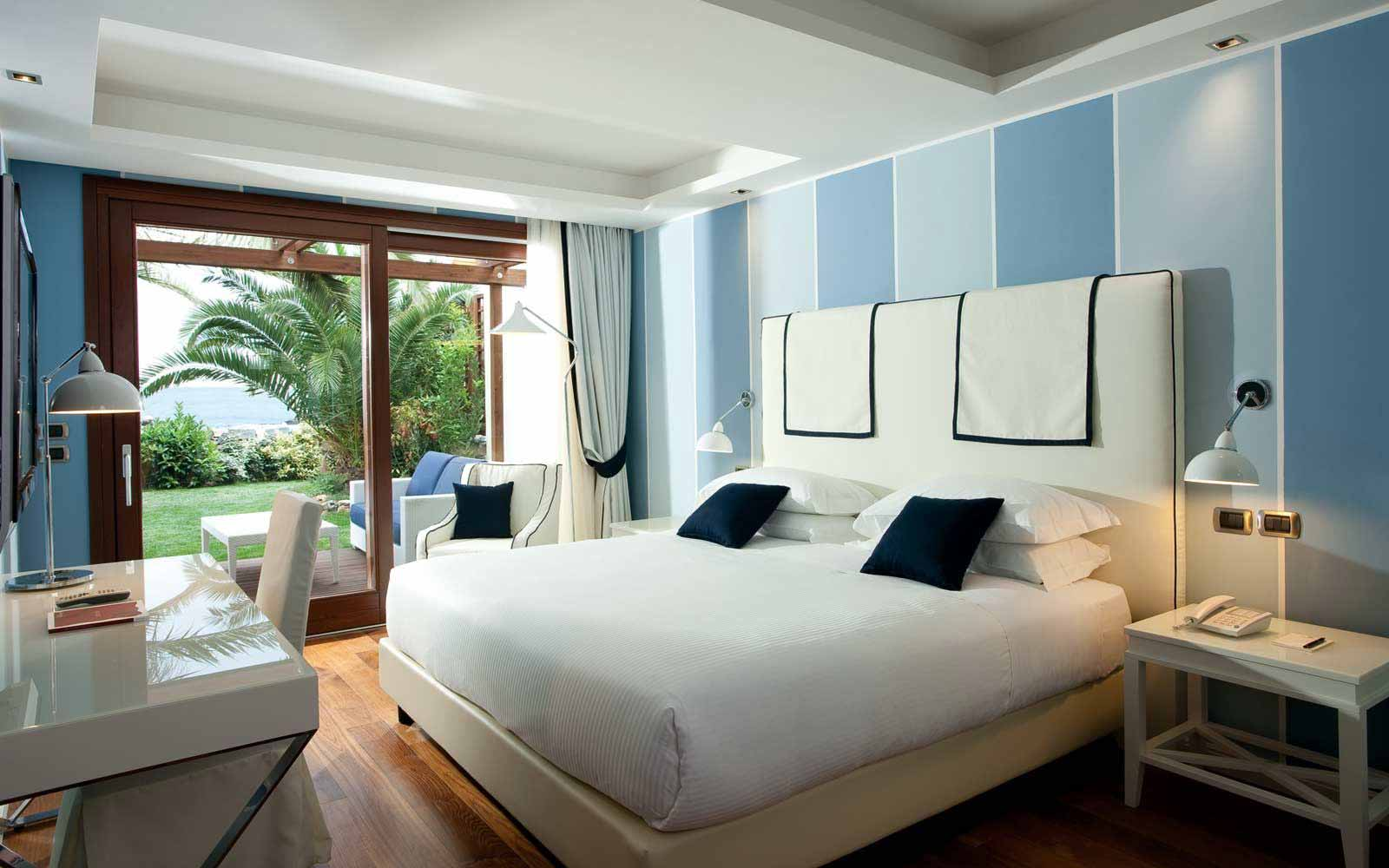 Deluxe room with sea view at the La Plage Resort
