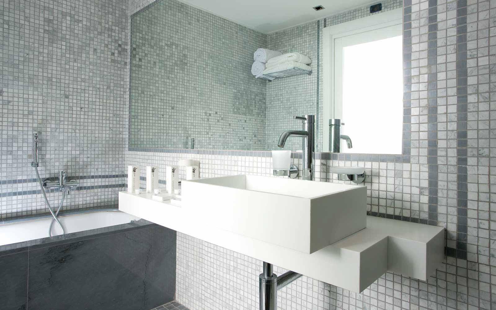 Suite sea view bathroom at La Plage Resort