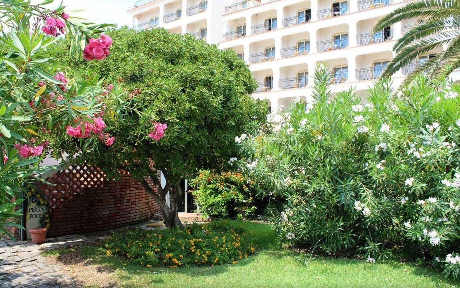 Hilton giardini naxos taormina sicily 5 holidays for Garden giardini