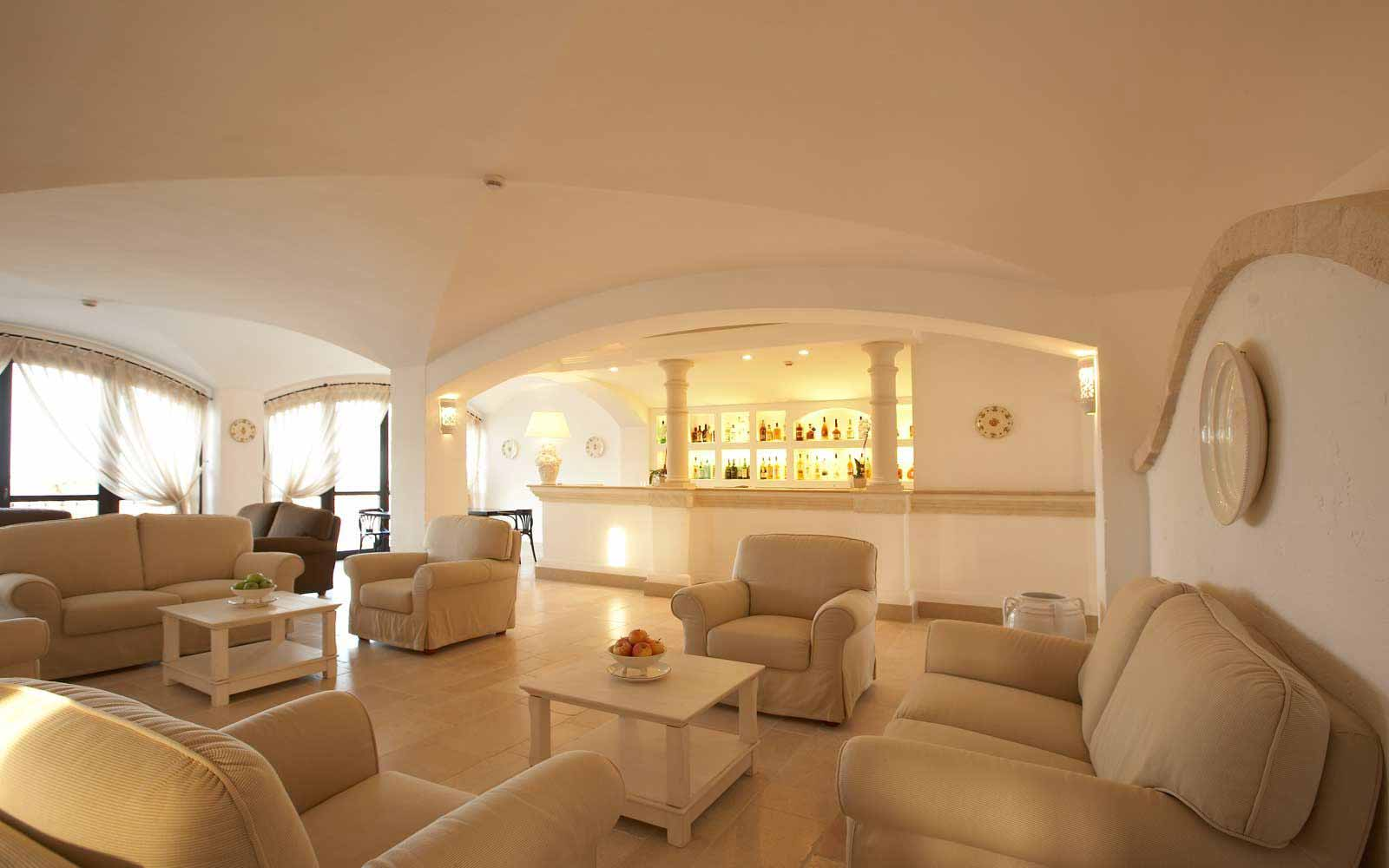 Bar lounge at Borgobianco Resort & Spa