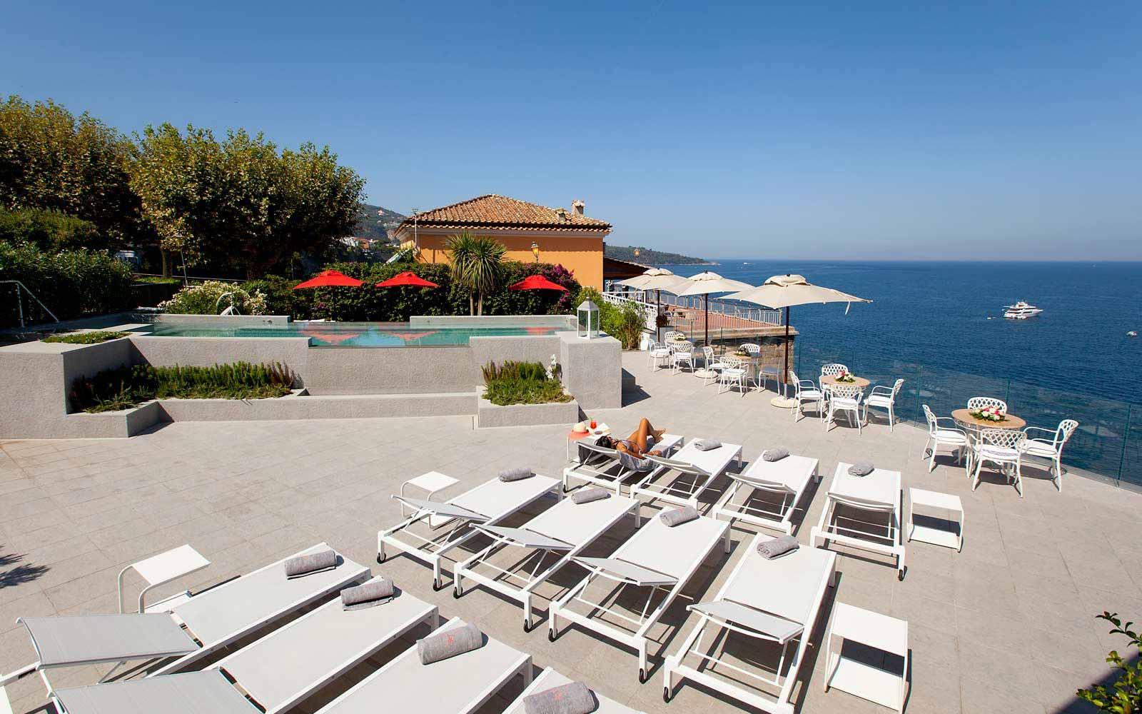 Solarium at Hotel Corallo