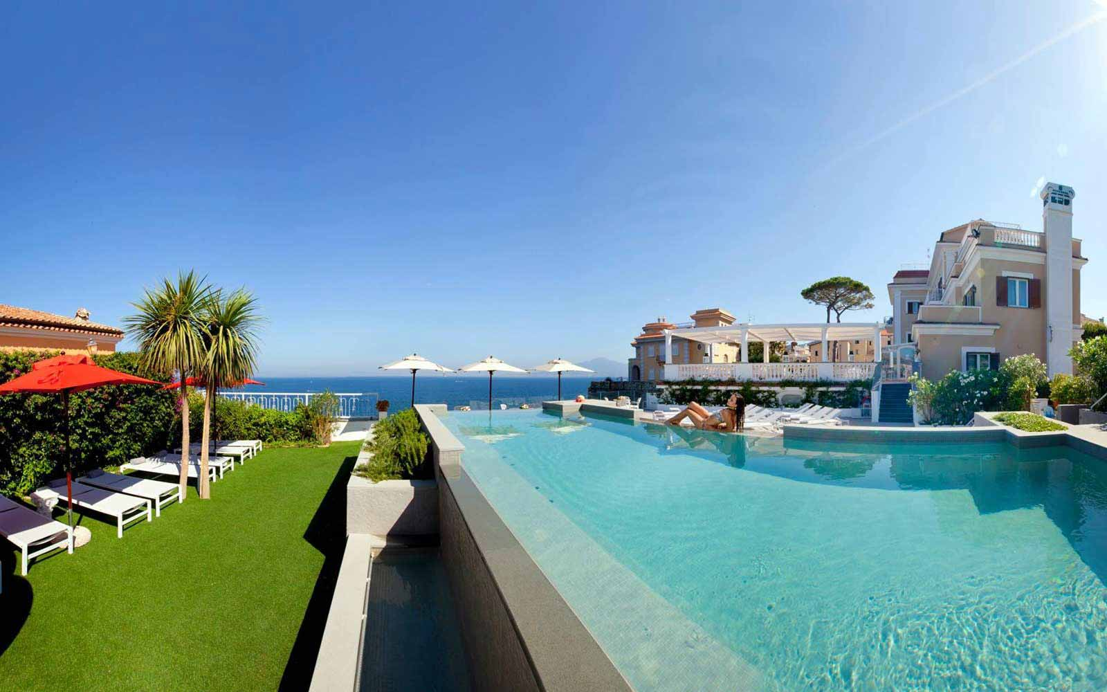 Infinity pool at Hotel Corallo