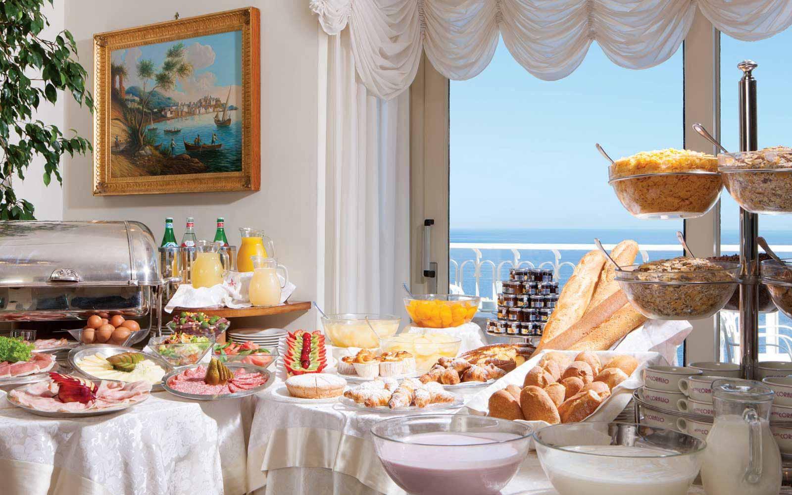 Buffet breakfast at Hotel Corallo