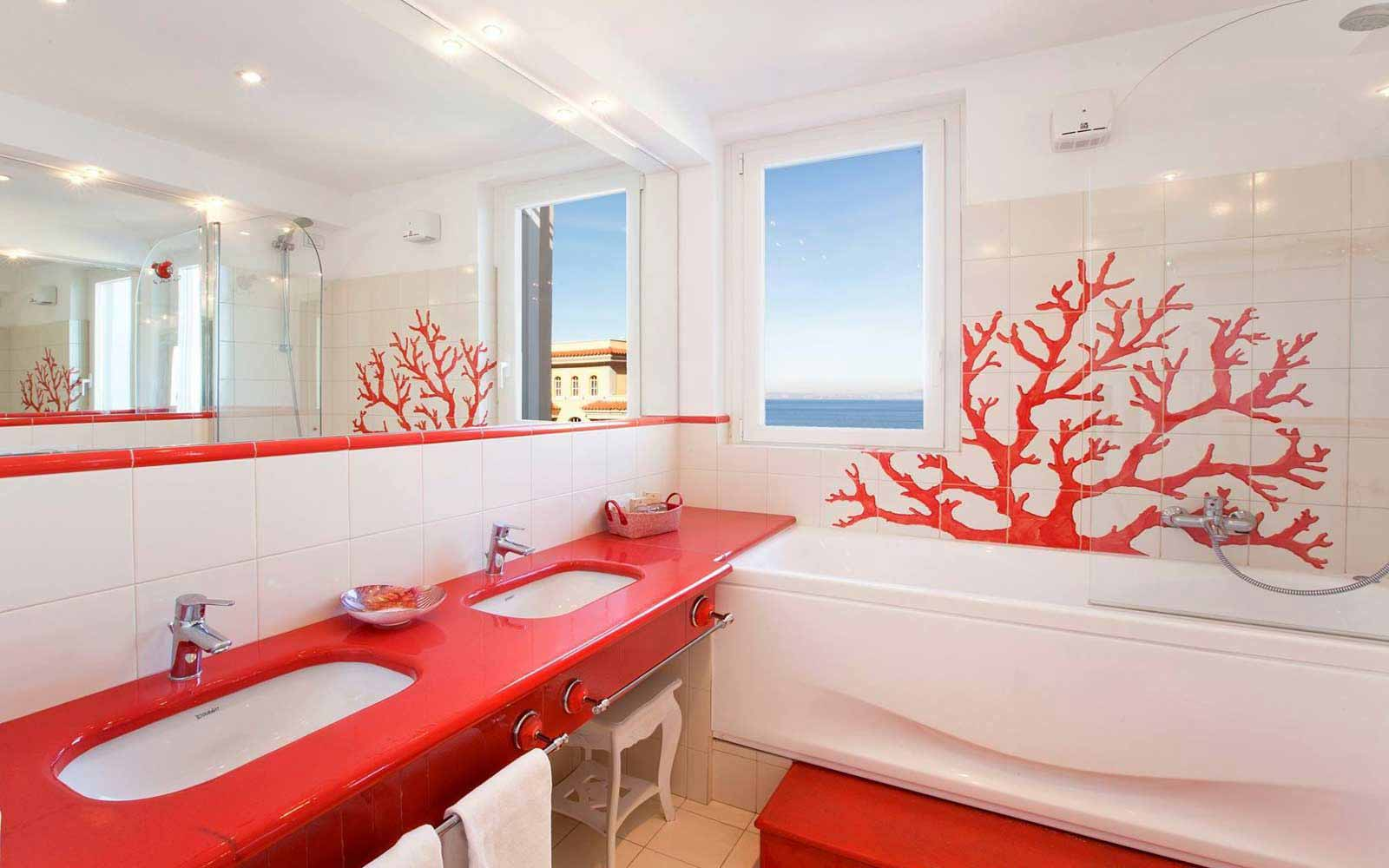 Bathroom in a Suite at Hotel Corallo
