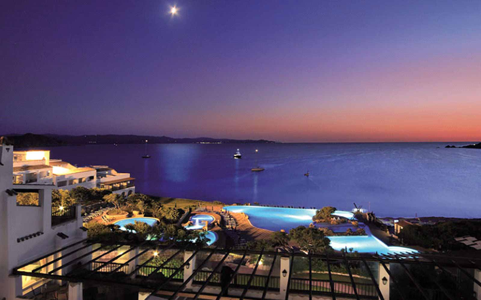 Night view at the Colonna Grand Hotel Capo Testa