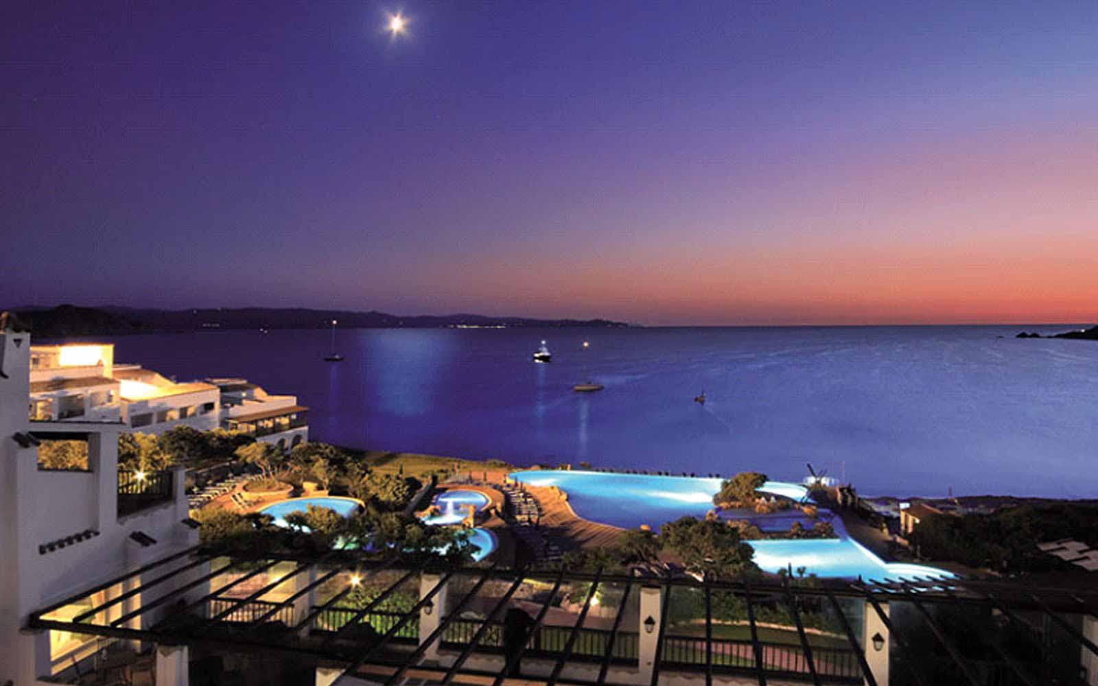Night view at the Colonna Grand Hotel Capo Testa