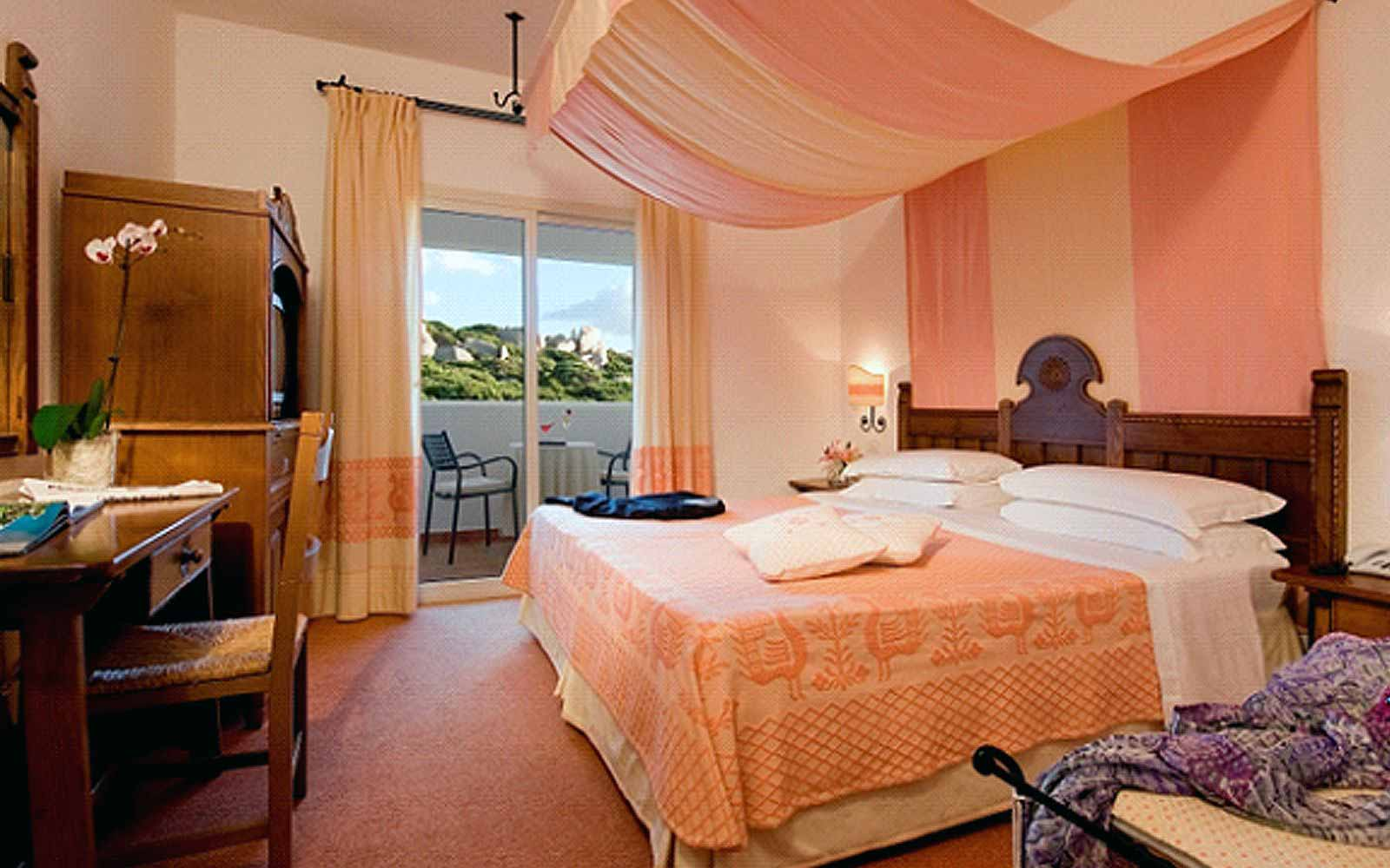 Classic room at the Colonna Grand Hotel Capo Testa