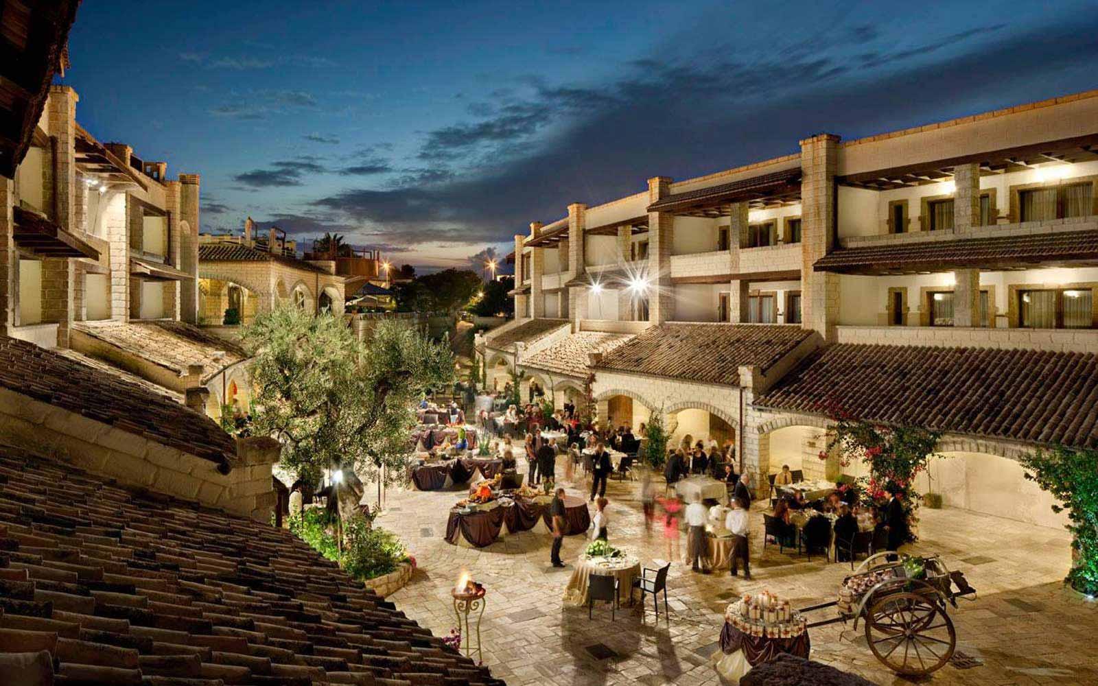 Internal courtyard at UNA Hotel Regina