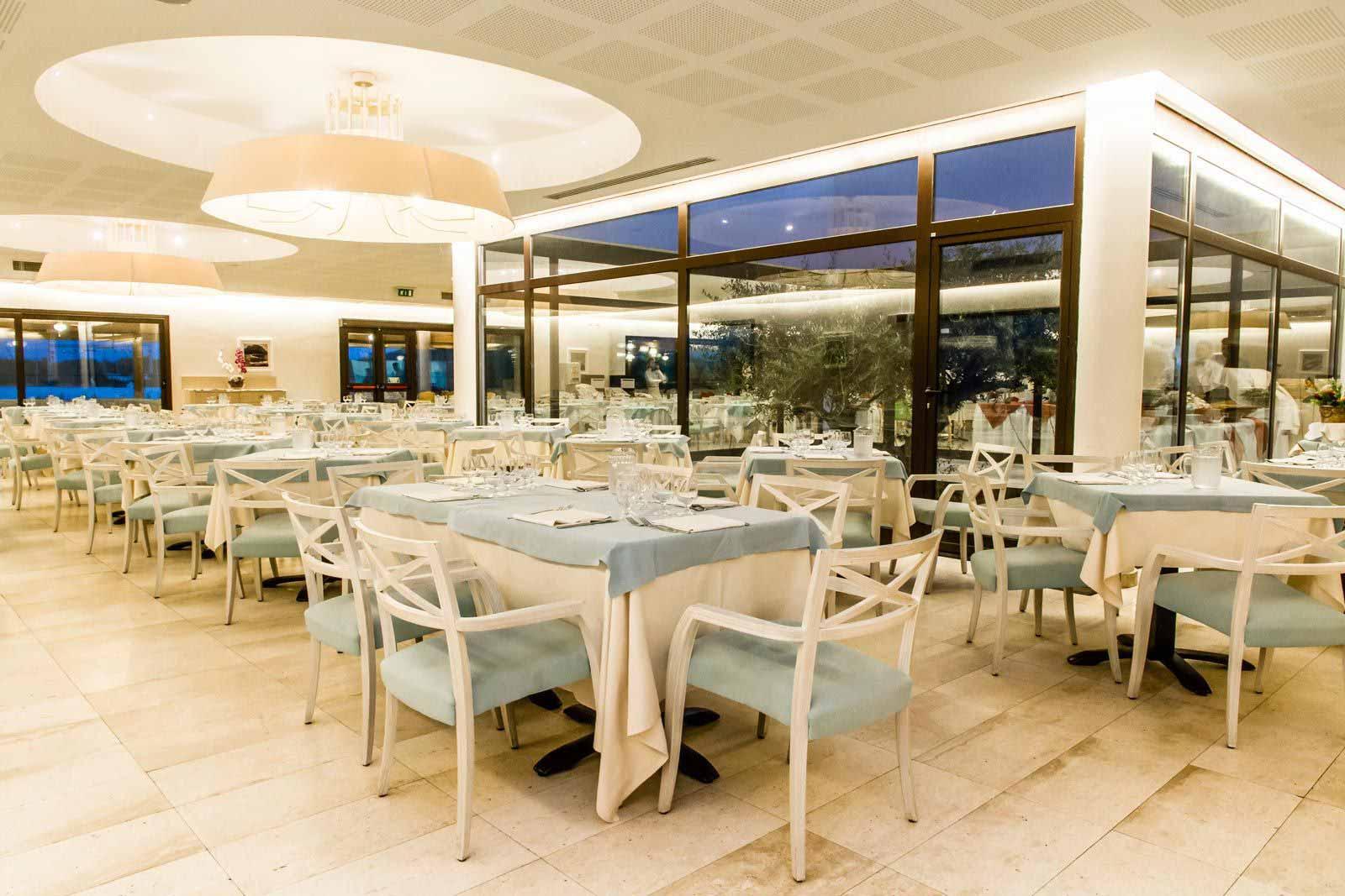 Restaurant at Grande Baia Resort & Spa