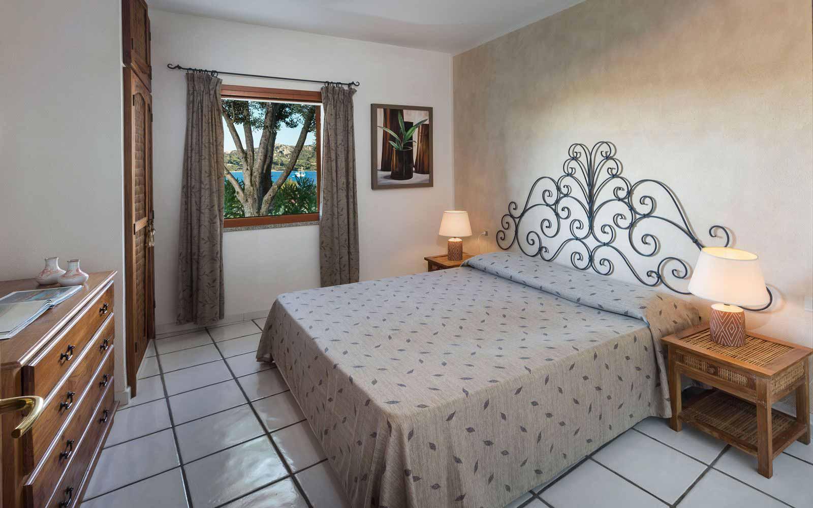 Double bedroom at Resort Cala di Falco - Villas